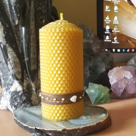 Elegant HoneyComb Pillar Candle – 13 cm high