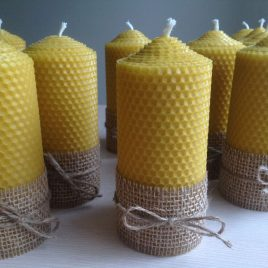 HoneyComb Pillar Candle – 13 cm high. Burning time up to 20 hours