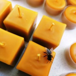 Natural Beeswax Cube Candle. Burning time up to 6 hours