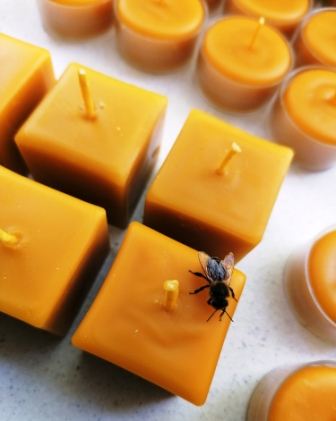 Natural Beeswax Cube Candle