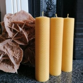 HoneyComb Pillar Candle. 26 cm high. Burning time up to 32 hours.