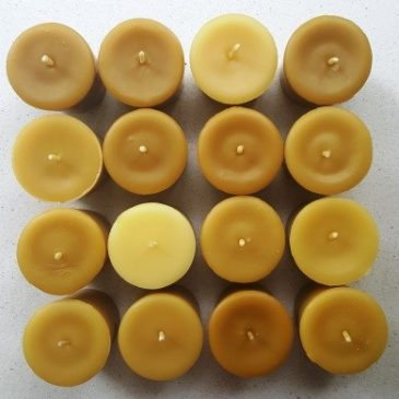 About the colour of beeswax candles: why can it vary so much?